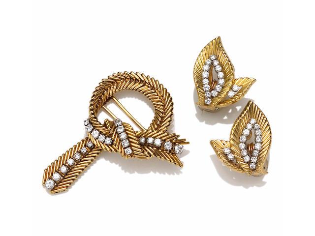 A set of eighteen karat gold and diamond jewelry, Van Cleef & Arpels,
