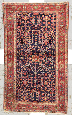 A Fereghan Sarouk rug Central Persia, size approximately 4ft. 1in. x 6ft. 9in.