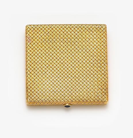 An eighteen karat gold compact, Van Cleef & Arpels