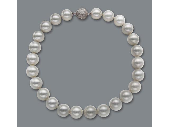 A very fine South Sea cultured pearl necklace
