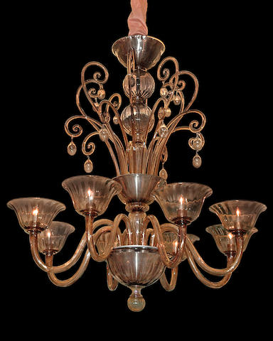 A Murano champagne glass eight-light chandelier