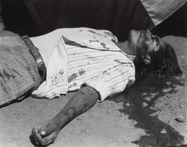 Manuel Alvarez Bravo (Mexican, 1902-2002); Obrero en huelga, asesinado (Striking worker, assassinated), Tehuantepec, Oaxaca;