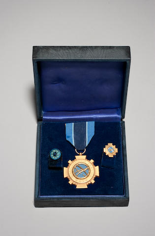 Distinguished Service Medal with certificate