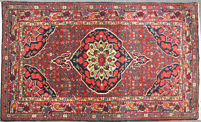A Bidjar rug size approximately 4ft. 1in. x 7ft. 1in.