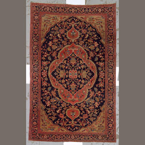 A Fereghan Sarouk rug Central Persia, size approximately 4ft. 2in. x 6ft 7in.