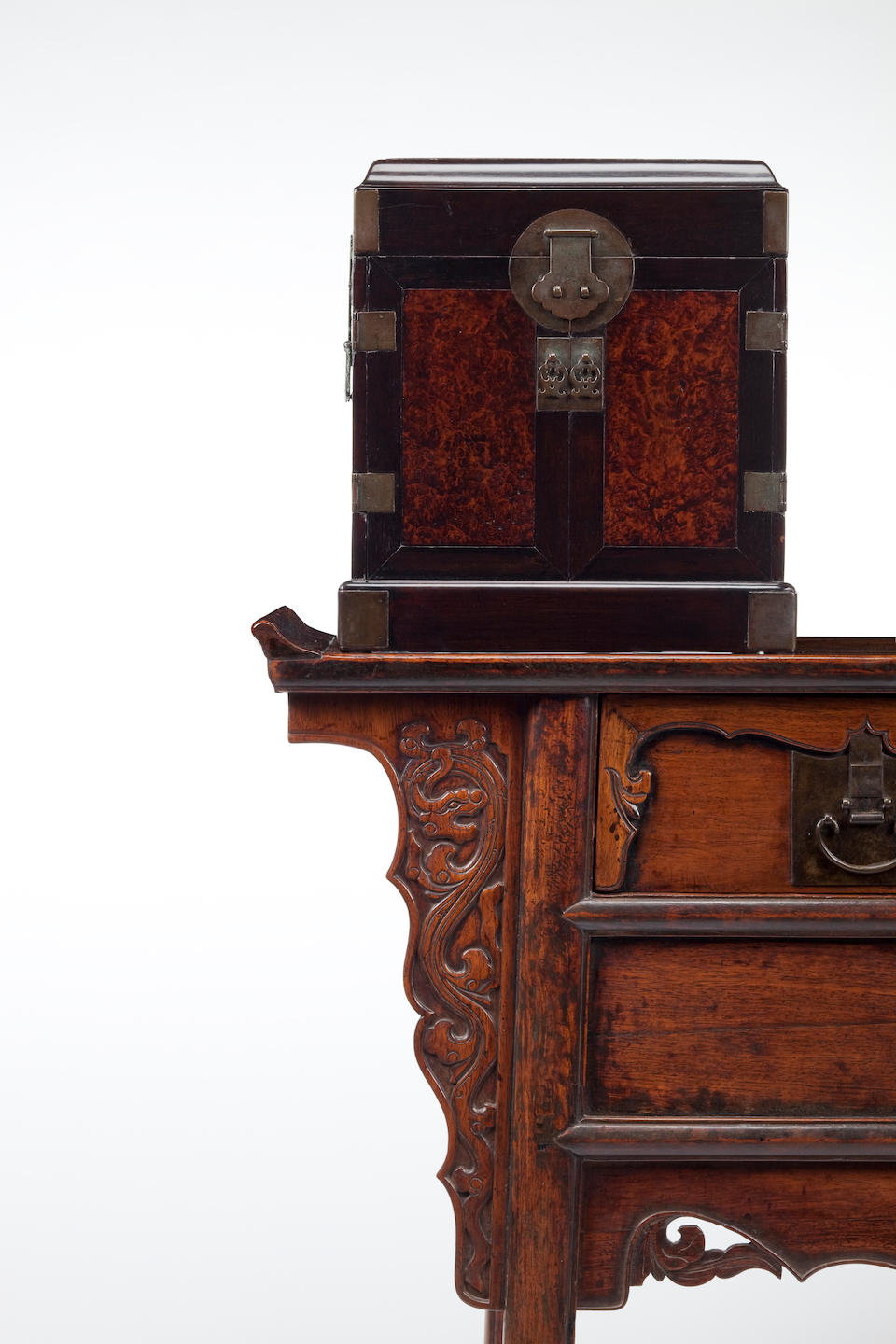 A huanghuali altar coffer with two drawers and carved side panels, Lianerchu 18th/19th Century