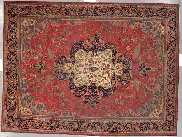 A Fereghan Sarouk carpet Central Persia, size approximately 10ft. 2in. x 13ft. 6in.