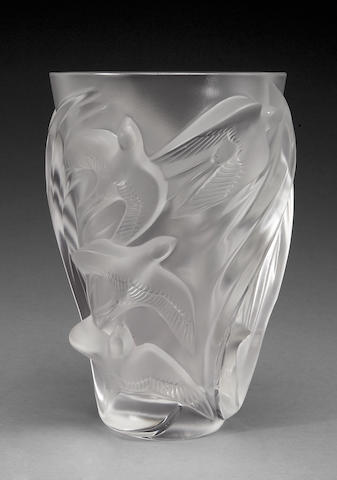 A Cristal Lalique frosted and molded glass vase