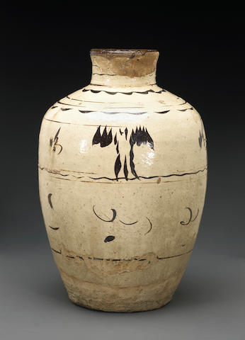 A Cizhou brown slip decorated jar Late Ming Dynasty