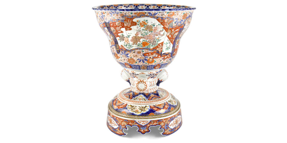 An imposing Japanese Imari porcelain jardinière on stand  circa 1900