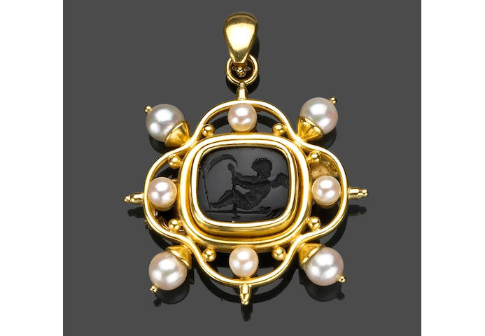 A carved black onyx and cultured pearl brooch-pendant, Elizabeth Locke