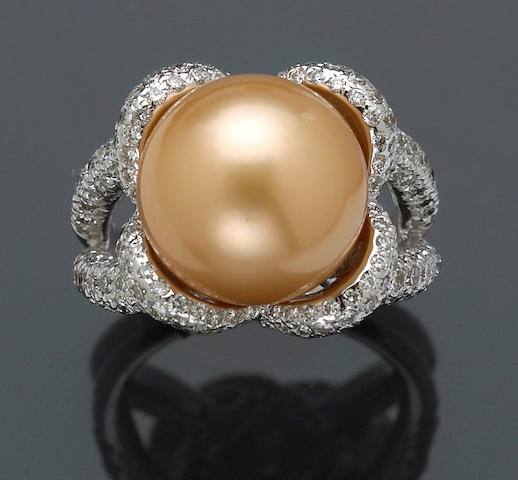 A golden-colored South Sea cultured pearl and diamond ring, Kurt Wayne