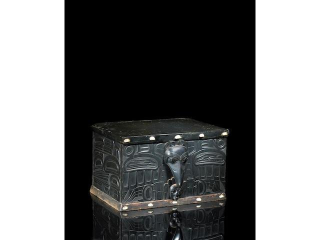A Haida argillite box