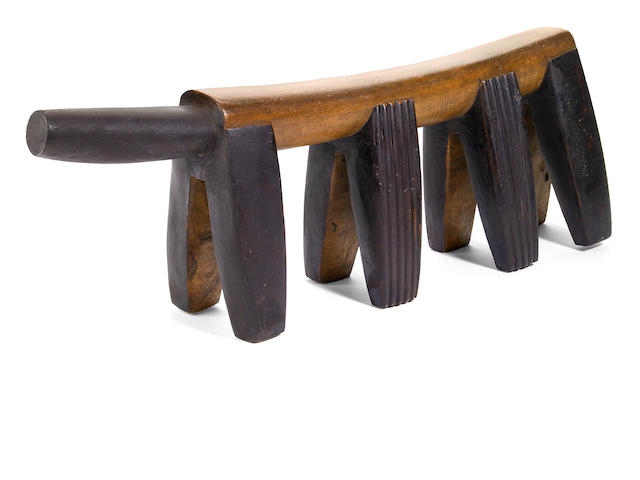 A Zulu neckrest  height 7 1/2in