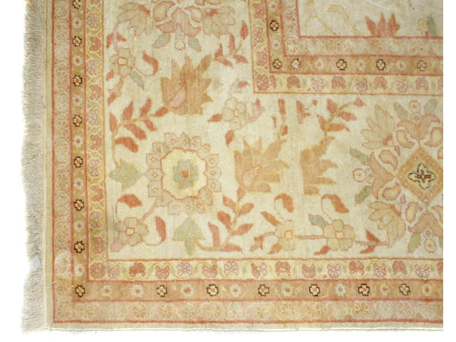 A contemporary Oushak carpet
