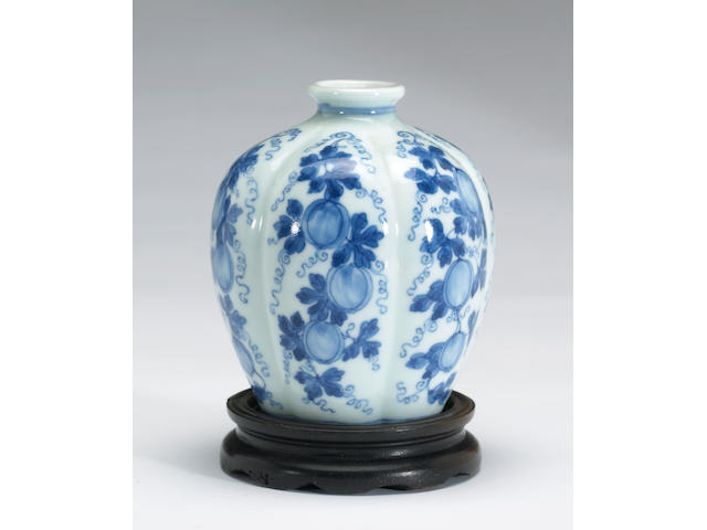 A small blue and white porcelain melon form jar Yongzheng Mark, 19th Century