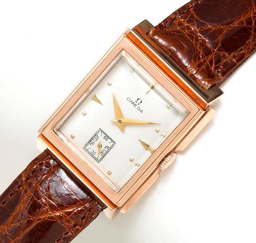 A fourteen karat rose gold and alligator leather strap wristwatch, Omega