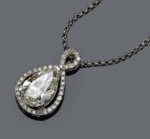 A diamond pendant with chain