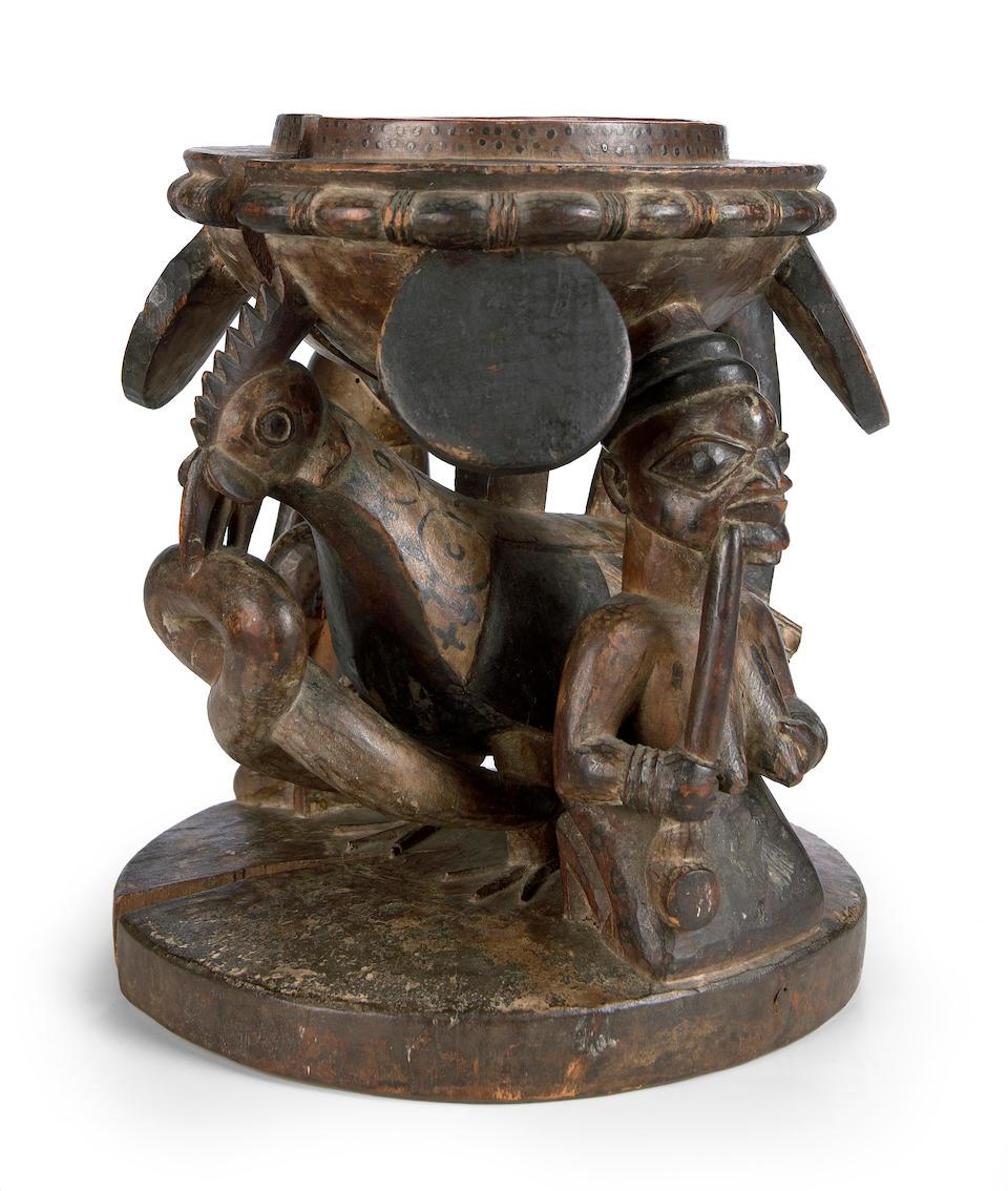 A Yoruba divination figurative bowl, agere ifa, Nigeria