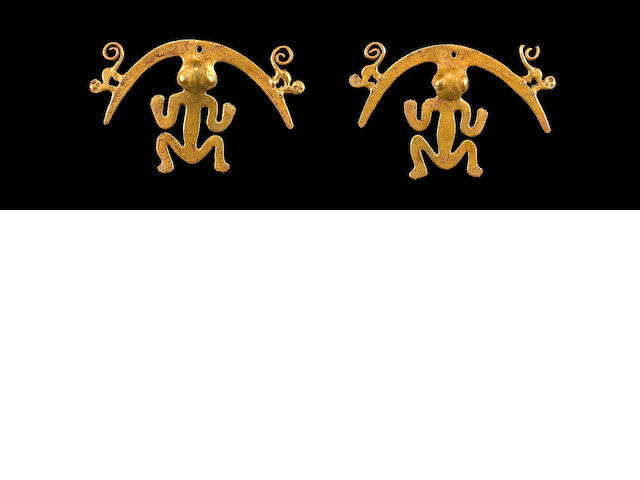 A pair of Nariño gold ear ornaments, Capuli Style, Columbia, ca. A.D. 500-1000
