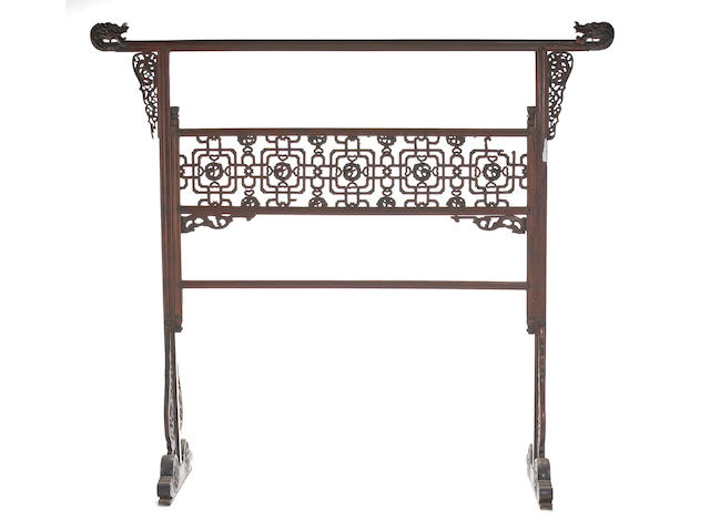 A large huanghuali clothing rack, Yijia 18th Century