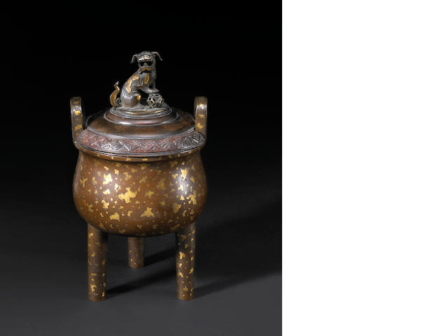 A good 'sun spot' bronze tripod censer with wood cover Xuande Mark, 18th/19th Century
