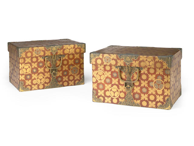 A pair of gold and nashiji lacquer trunks with mon and chased metal mounts, Tokugawa mon