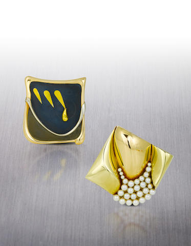 Two fourteen karat gold pendants/brooches, Takashi Wada