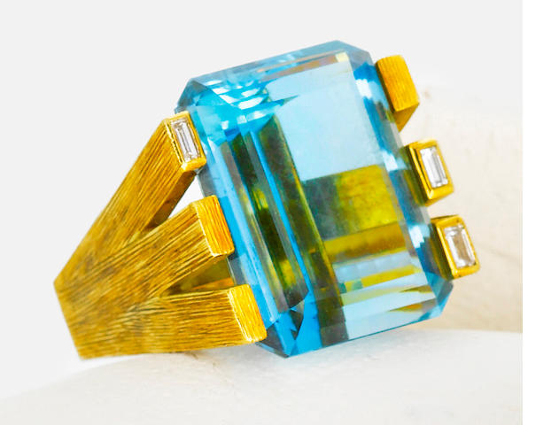 An aquamarine and diamond ring, Andrew Grima