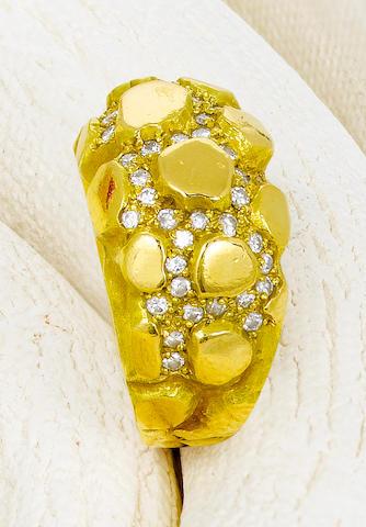 An eighteen karat gold and diamond ring, Andrew Grima,