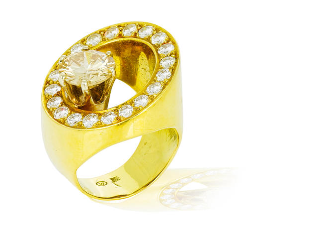 A colored diamond and diamond ring, Takashi Wada