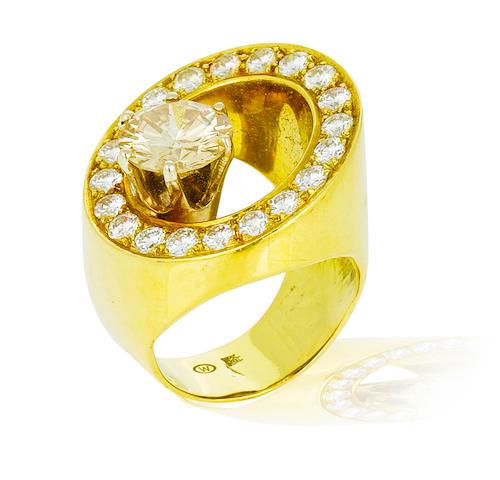 A colored diamond and diamond ring, Takashi Wada
