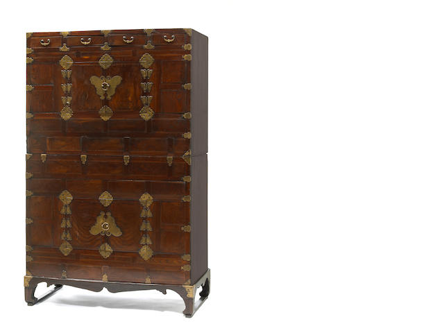 A mixed soft wood chest-on-chest with stand (ich'ung nong} 19th/20th Century