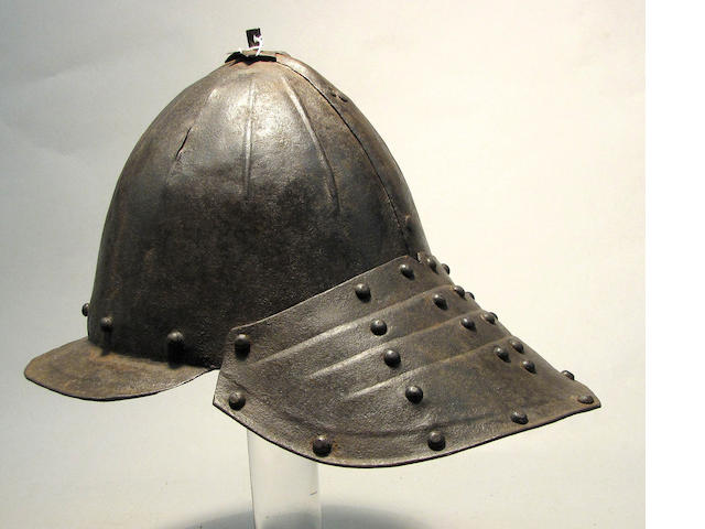 A lobster-tailed pot helmet
