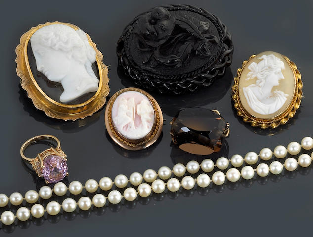 A miscellaneous collection of shell cameo, kunzite, diamond, cultured pearl, smoky quartz, jet, 14k, 10k gold and metal jewelry