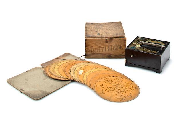 An 8.3/4-inch Polyphon organette disc box, Circa 1900,