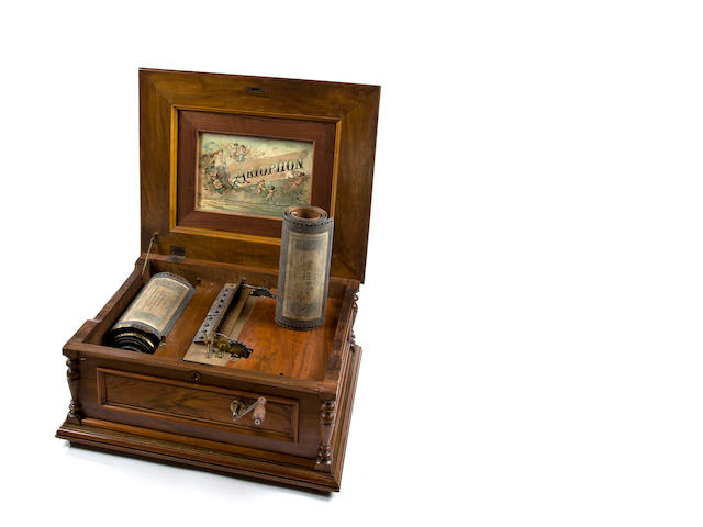 An Ariophone music box,