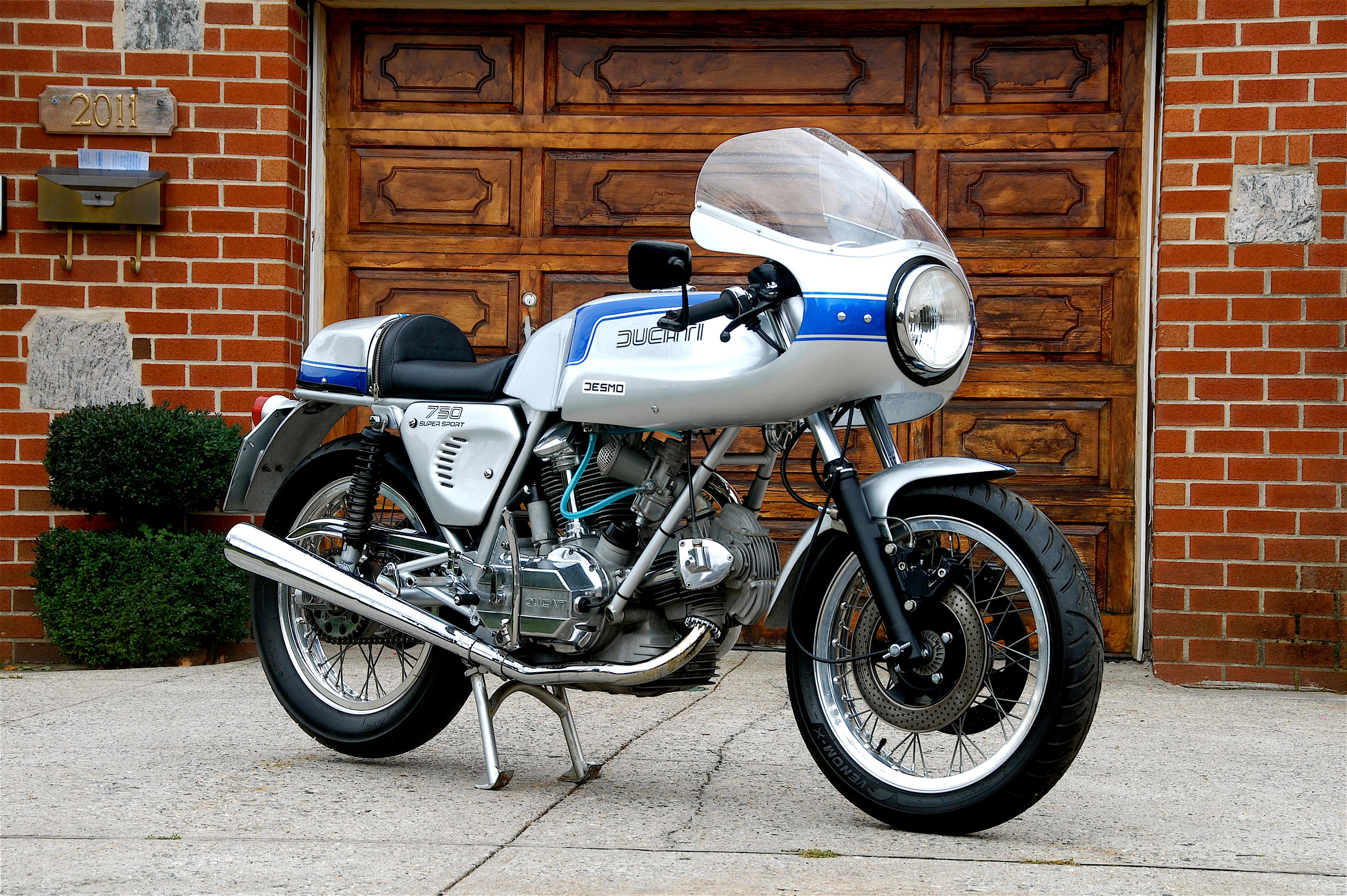 1975 Ducati 750SS Frame no  DM750SS•75462 Engine no  075463