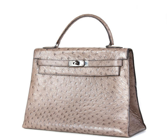 A Hermes Kelly gray ostrich handbag