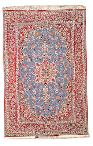 An Isphahan rug Central Persia, size approximately 4ft. 10in. x 7ft. 2in.