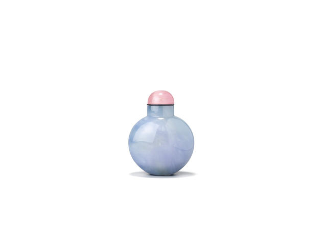 A lavender-blue jadeite snuff bottle 1800-1880