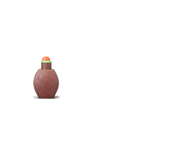 A slip-decorated Yixing stoneware snuff bottle 1770-1800