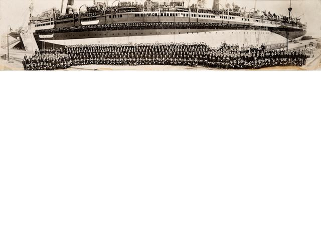 The panoramic photograph of the cadetes