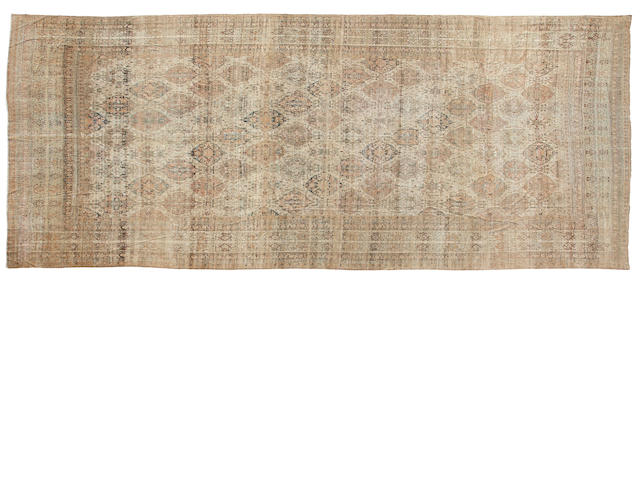 A Meshed carpet carpet approximately  16ft 3in x 31ft 6in (495.3 x 960cm)