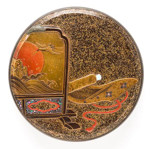 A circular gold lacquer kogo (incense container) Edo period, late 18th century