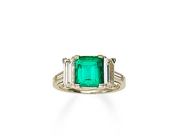 An art deco emerald and diamond ring, Grogan & Co,