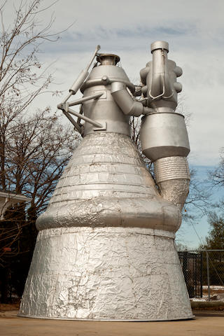 FULL-SCALE SATURN V F-1 ENGINE MODEL.