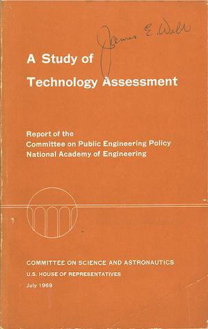 MANAGING NASA IN THE APOLLO ERA.