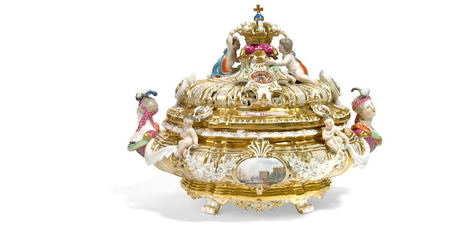 A Meissen armorial porcelain tureen and cover  after a model by J.J. Kändler mid 19th century