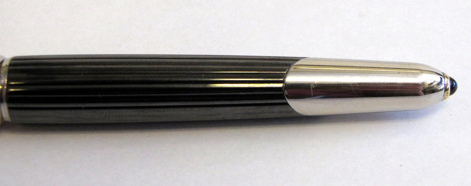 CARTIER: Cougar Fountain Pen